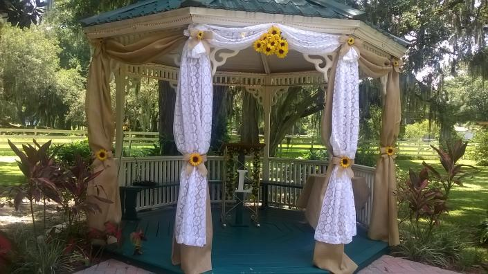 Gazebo decorations]